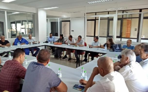 في اجتماع لأعضاء المكتب التنفيذي وكتاب فروع جامعة موظفي وأعوان الشبيبة والرياضة