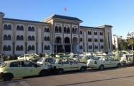بعد تفاقم معاناتهم، السائقون وأرباب سيارات الأجرة من الصنف الثاني في وقفة نقابية بسطات